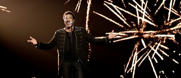 Lionel Richie on stage